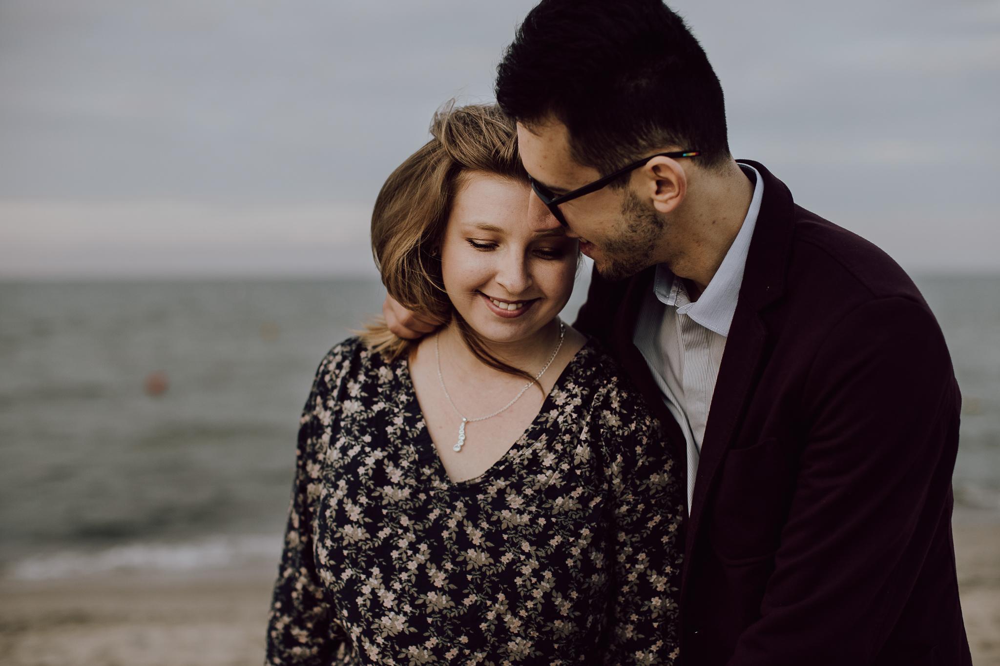 Sesja narzeczeńska Klaudii i Adriana na plaży w Sopocie